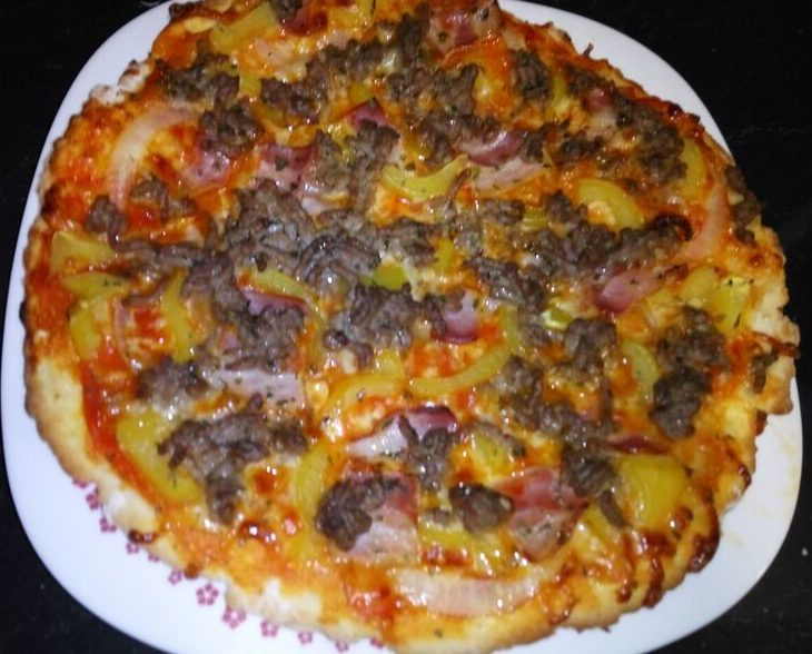 Pizza carnívora