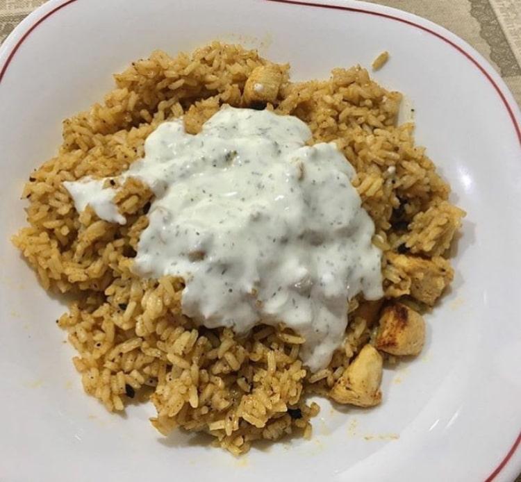 Pollo kebab con arroz