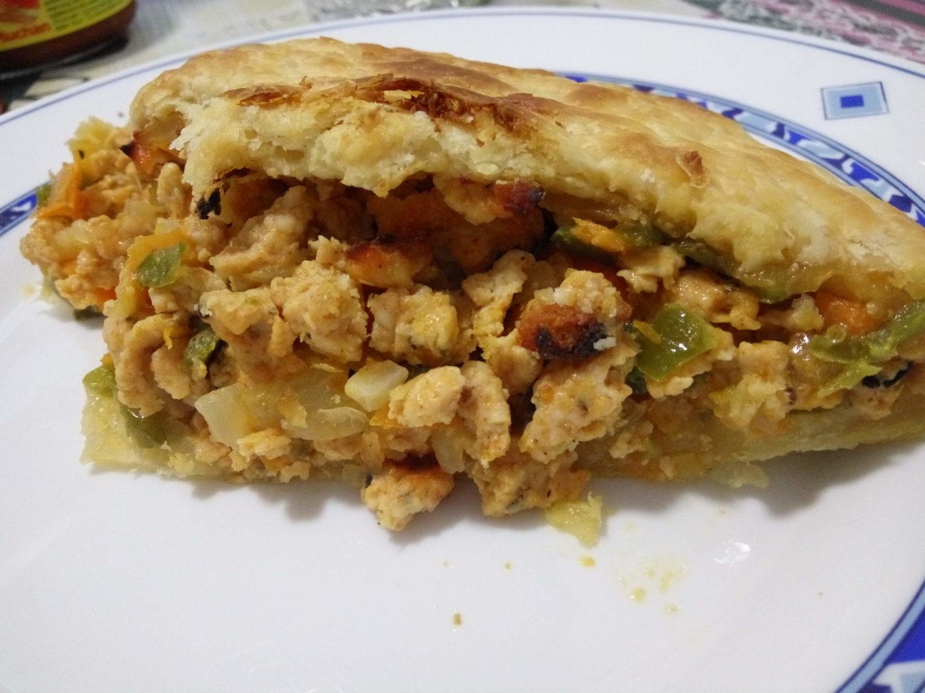 Empanada de pollo especiado