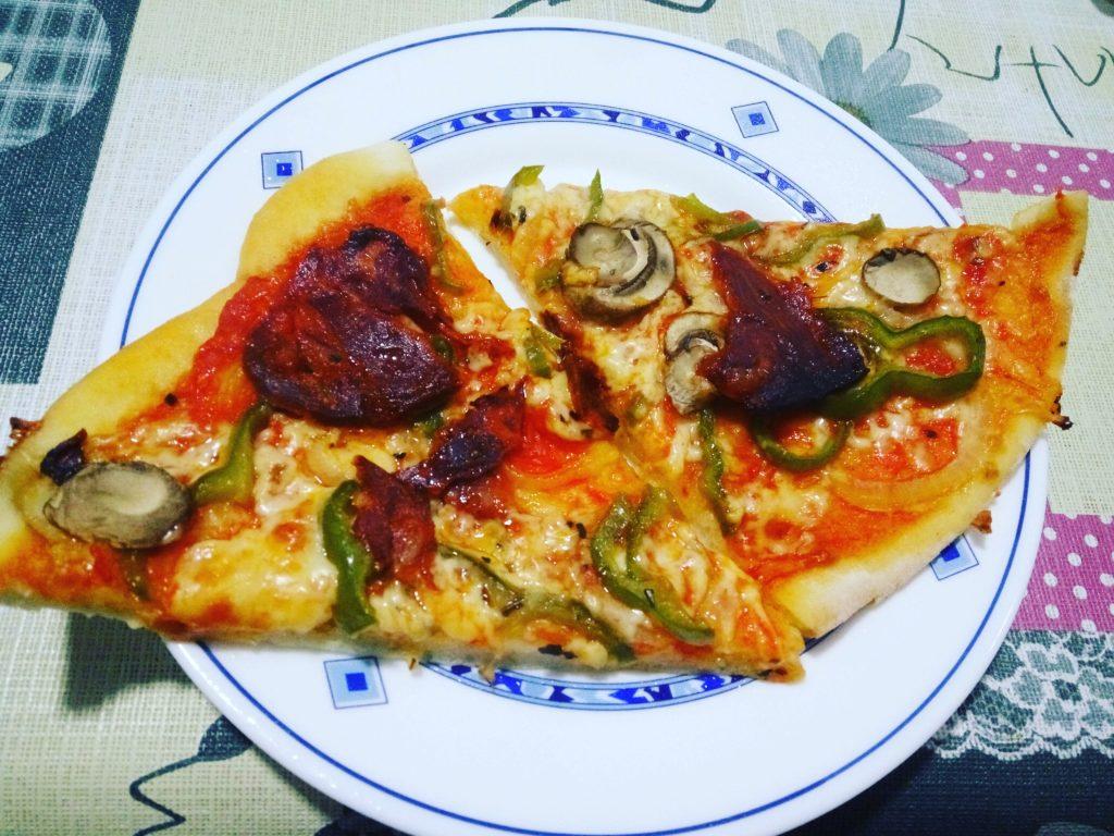 Pizza mejicana con champiñones