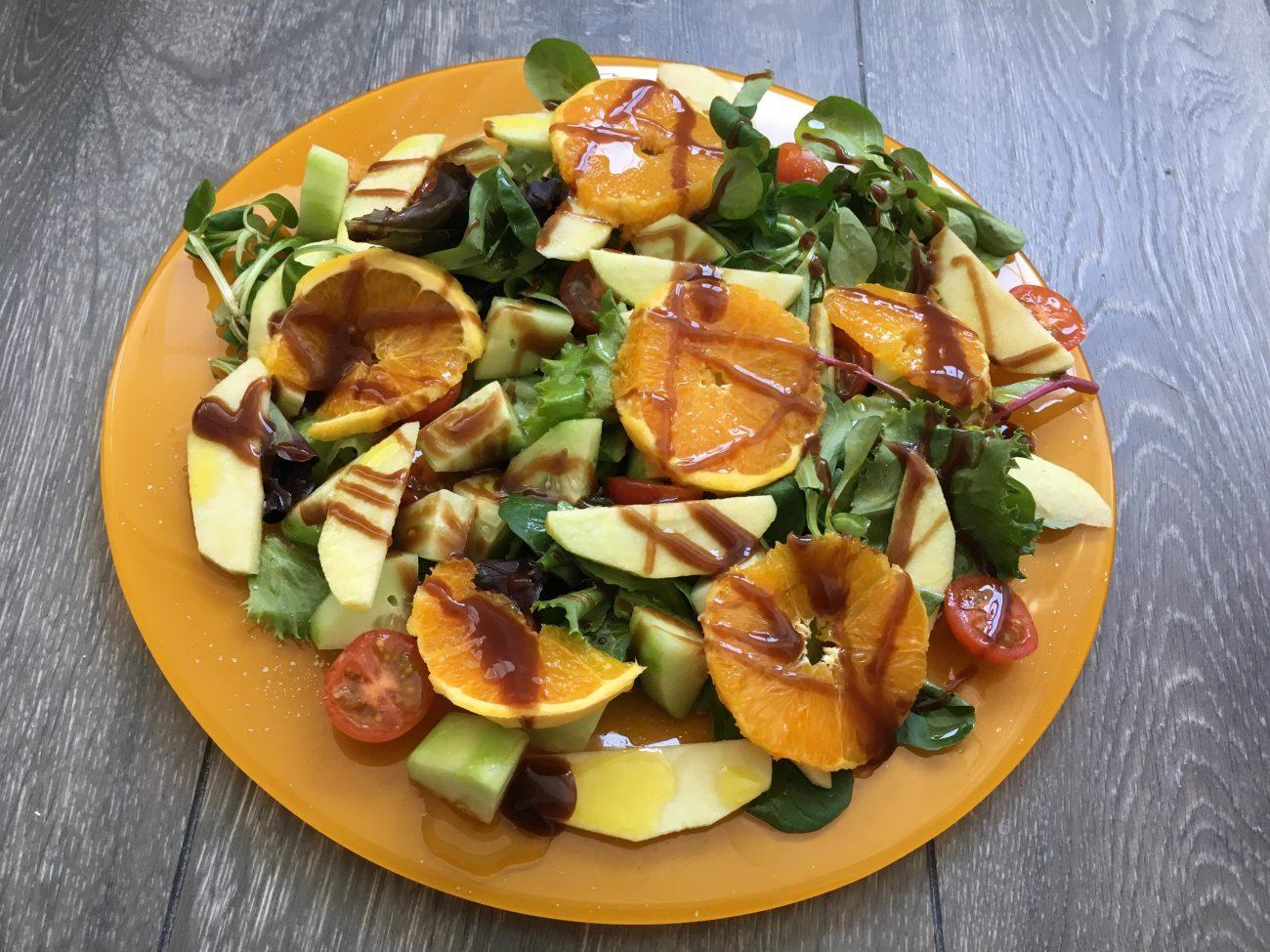 Ensalada de naranja y manzana con chocolate