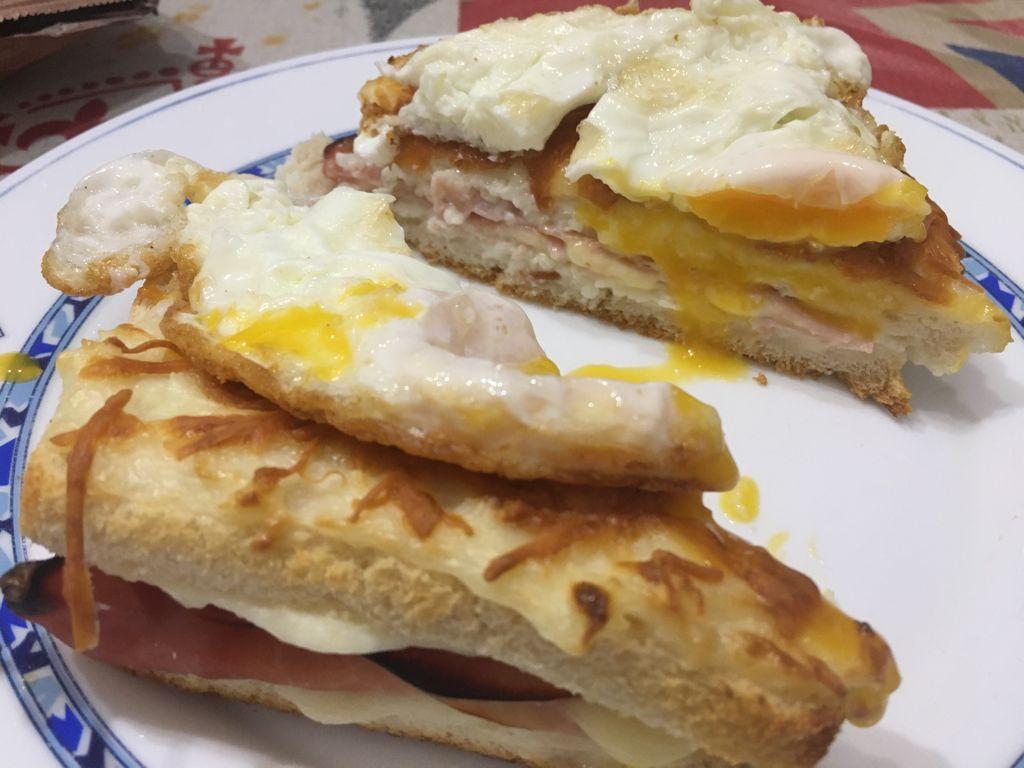 Sandwich Croque-Madame sin gluten